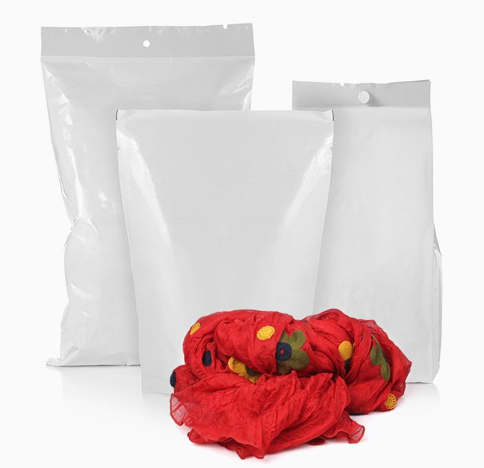 plastilene-imballi-flessibili-per-abbigliamento2